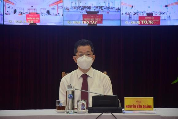 Bí thư Thành ủy Đà Nẵng tiếp xúc cử tri quận Cẩm Lệ, huyện Hòa Vang và huyện Hoàng Sa ảnh 1