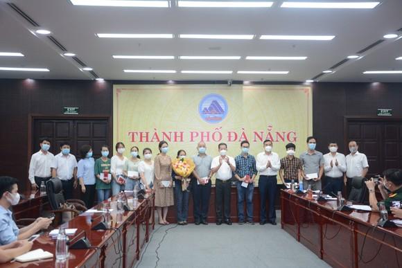 Đoàn y, bác sĩ Đà Nẵng lên đường chi viện cho 'tâm dịch' Bắc Giang  ảnh 1