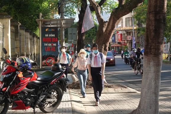 Học sinh Đà Nẵng bắt đầu môn thi đầu tiên kỳ thi tuyển sinh lớp 10 ảnh 1