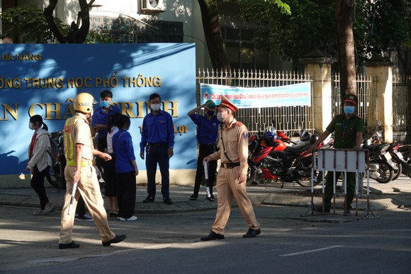 Học sinh Đà Nẵng bắt đầu môn thi đầu tiên kỳ thi tuyển sinh lớp 10 ảnh 2