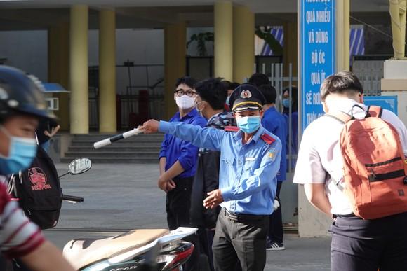 Học sinh Đà Nẵng bắt đầu môn thi đầu tiên kỳ thi tuyển sinh lớp 10 ảnh 3