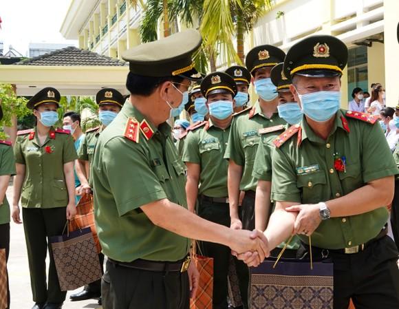 Đà Nẵng: Nhiều lực lượng chi viện các tỉnh phía Nam chống dịch Covid-19 ảnh 3