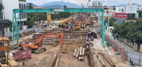 Đà Nẵng: Người dân tất bật trước giờ siết chặt phòng chống dịch Covid-19 ảnh 7
