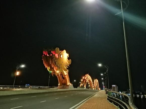 Đà Nẵng: Phong tỏa 4 phường thuộc quận Sơn Trà, người dân không ra đường sau 20 giờ ảnh 12
