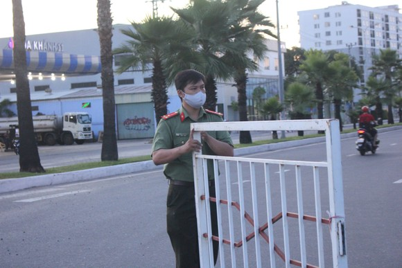 Đà Nẵng: Phong tỏa 4 phường thuộc quận Sơn Trà, người dân không ra đường sau 20 giờ ảnh 5