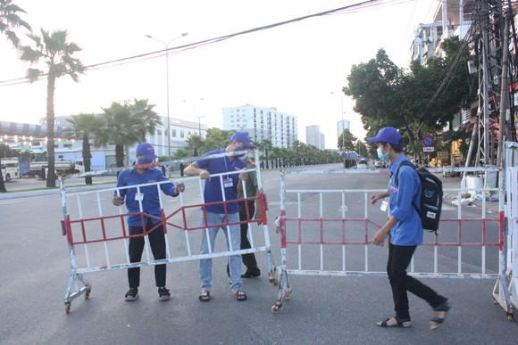 Đà Nẵng: Phong tỏa 4 phường thuộc quận Sơn Trà, người dân không ra đường sau 20 giờ ảnh 6