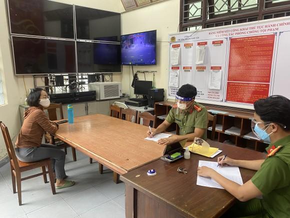 Công an quận Thanh Khê làm việc với bà Lê Thị Kim Mai
