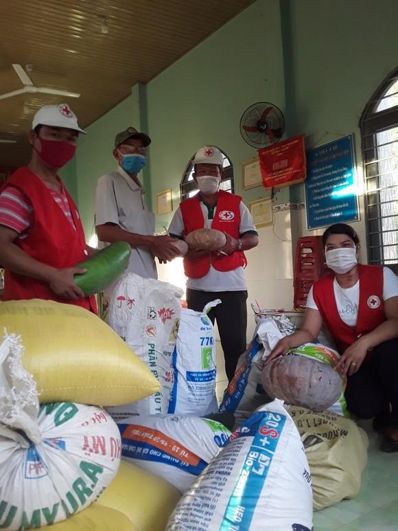 Quảng Nam hỗ trợ cho Đà Nẵng hơn 30 tấn thực phẩm thiết yếu ảnh 3