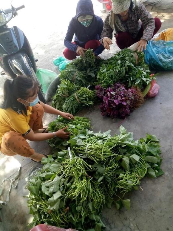 Quảng Nam hỗ trợ cho Đà Nẵng hơn 30 tấn thực phẩm thiết yếu ảnh 8