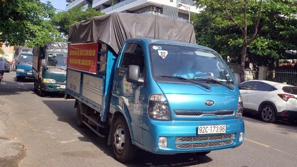 Hơn 30 tấn thực phẩm thiết yếu vào TP Đà Nẵng