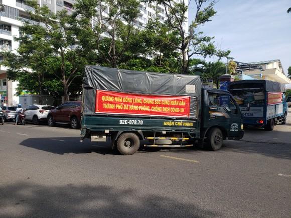 Quảng Nam hỗ trợ cho Đà Nẵng hơn 30 tấn thực phẩm thiết yếu ảnh 1