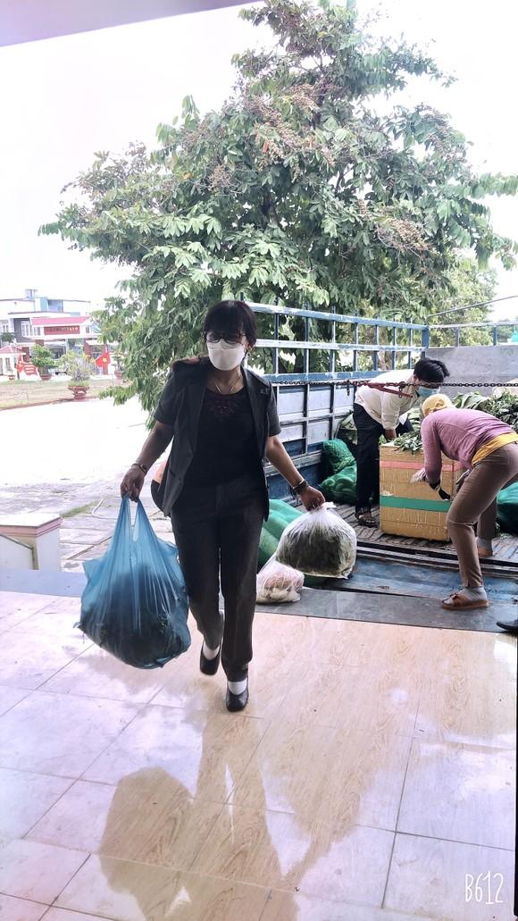 Quảng Nam hỗ trợ cho Đà Nẵng hơn 30 tấn thực phẩm thiết yếu ảnh 9