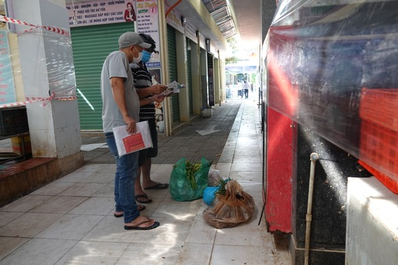 Đà Nẵng: Ngày đầu mở lại một số chợ truyền thống ảnh 13