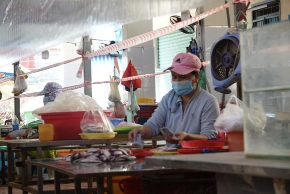 Đà Nẵng: Ngày đầu mở lại một số chợ truyền thống ảnh 9
