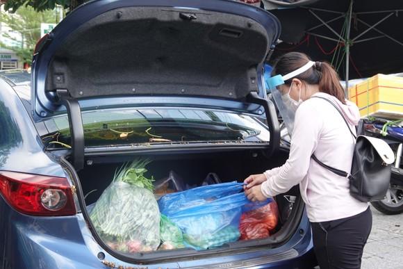 Đà Nẵng: Ngày đầu mở lại một số chợ truyền thống ảnh 16