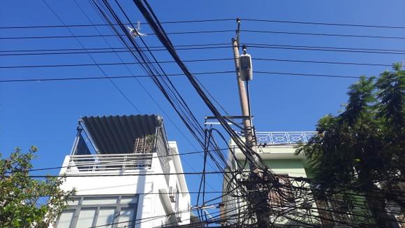 Đà Nẵng sử dụng flycam, camera giám sát người dân thực hiện 'ai ở đâu thì ở đó' ảnh 3