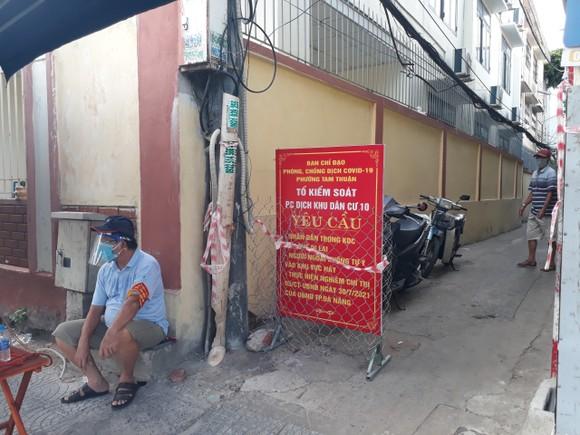 Phường Tam Thuận tiến hành dời khoảng 100 người dân ra khỏi khu vực hẻm