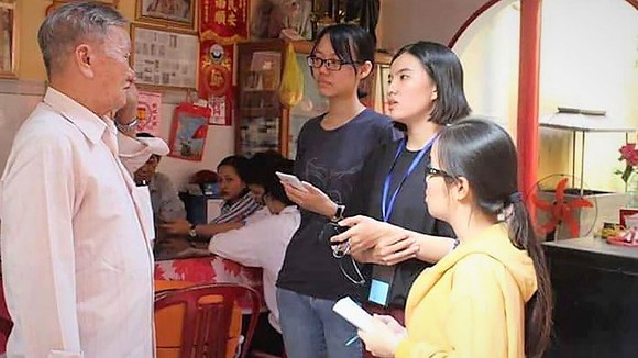 Sinh viên tìm hiểu về văn hóa người Hoa tại TP Rạch Giá, Kiên Giang