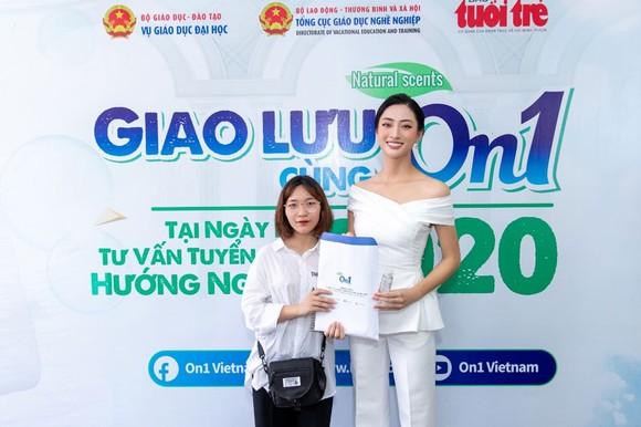ON1 trao tặng hơn 60.000 'combo sạch khuẩn' cho ngày hội tư vấn tuyển sinh 2020 tại TPHCM và Hà Nội ảnh 2