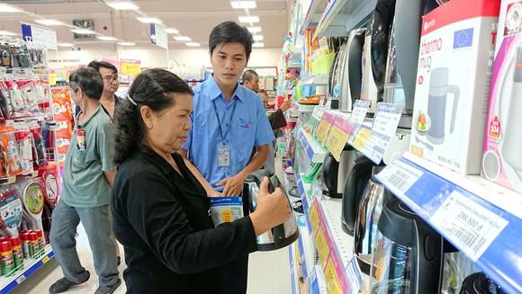 Hàng tiêu dùng được giảm giá mạnh tại Co.opmart Bình Triệu