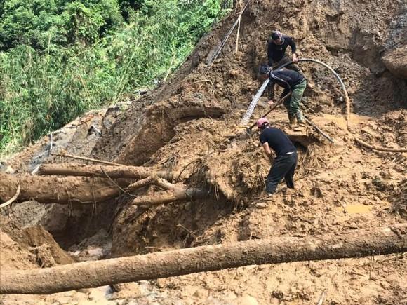 Quảng Nam: Hoàn thành việc sơ tán dân ra khỏi vùng nguy hiểm trước 11 giờ trưa 4-11  ảnh 1