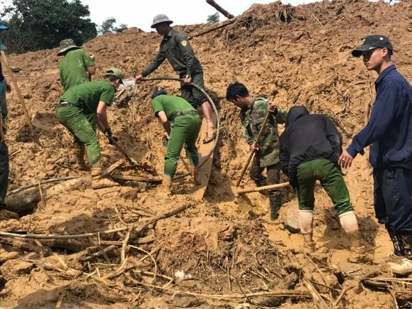 Quảng Nam: Hoàn thành việc sơ tán dân ra khỏi vùng nguy hiểm trước 11 giờ trưa 4-11  ảnh 3