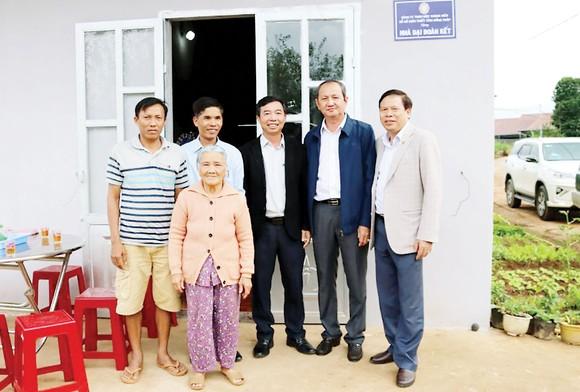 Lễ bàn giao Nhà Đại Đoàn Kết tại huyện Đơn Dương, tỉnh Lâm Đồng
