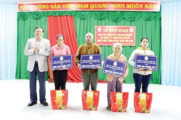 Lễ bàn giao Nhà Đại Đoàn Kết tại huyện Đơn Dương, tỉnh Lâm Đồng ảnh 2