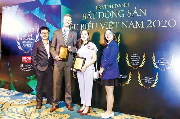 Tập đoàn Xây dựng Hòa Bình được vinh danh Bất động sản tiêu biểu Việt Nam 2020 ảnh 1