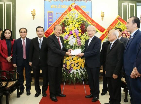 Phó Thủ tướng Thường trực Chính phủ Trương Hòa Bình thăm Ủy ban Đoàn kết công giáo Việt Nam. Ảnh VGP/LÊ SƠN