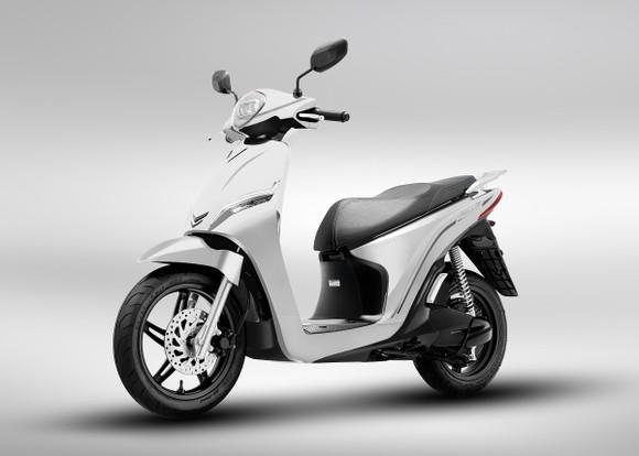 VinFast ra mắt hai dòng xe máy điện mới và công bố mô hình trải nghiệm mua sắm O2O ảnh 2
