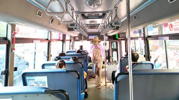 Những ngày sau tết, nhiều chuyến xe buýt vắng vẻ hẳn so với ngày thường