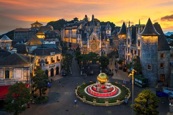 Quốc tế khép cửa, du lịch Việt vẫn rộn ràng với các công viên chủ đề đẳng cấp ảnh 4