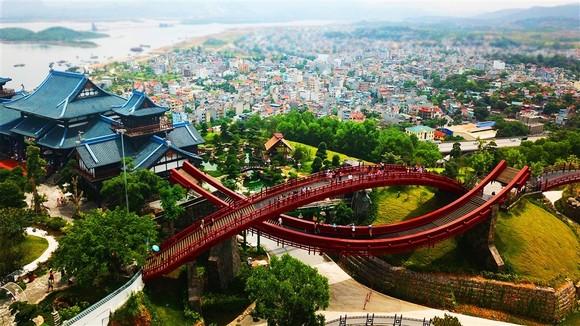 Quốc tế khép cửa, du lịch Việt vẫn rộn ràng với các công viên chủ đề đẳng cấp ảnh 3