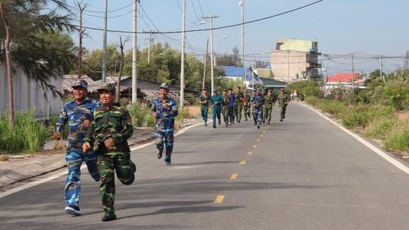 Đồn Biên phòng Cần Thạnh tổ chức 'Ngày chạy thể thao quân sự' 2021 ảnh 4