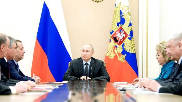 Tổng thống Nga Vladimir Putin trong cuộc họp Hội đồng An ninh quốc gia