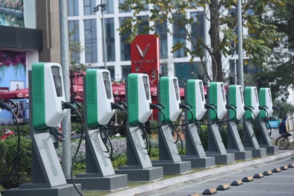 VinFast xóa bỏ rào cản với ô tô điện tại Việt Nam như thế nào? ảnh 2