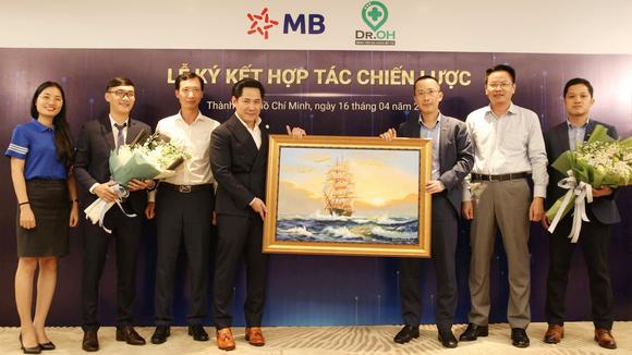 Dr. OH Bệnh Viện Đa Khoa Bỏ Túi và MB ký kết hợp tác chiến lược  ảnh 3