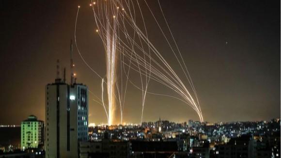 Hàng nghìn rocket đã được phóng từ Dải Gaza do phong trào Hamas của người Palestine kiểm soát nhằm vào các thành phố của Israel kể từ đầu tuần. Ảnh: AFP