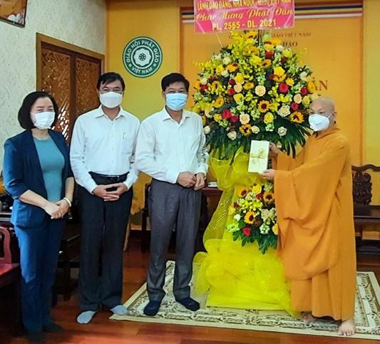 Phó Ban Dân vận Trung ương thăm, chúc mừng Đại lễ Phật đản ảnh 1