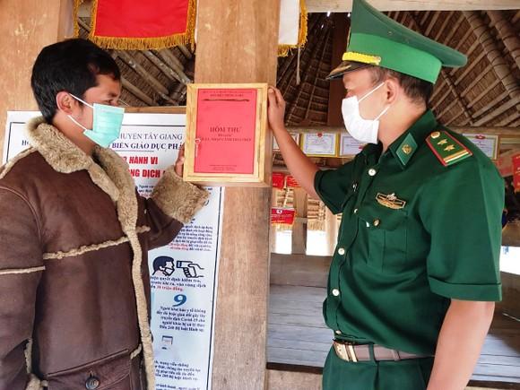 'Hòm thư tố giác xuất, nhập cảnh trái phép' trên tuyến biên giới Quảng Nam ảnh 1