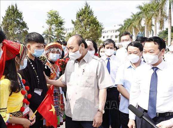 Chủ tịch nước dự khai giảng năm học mới tại Yên Bái. Ảnh: TTXVN