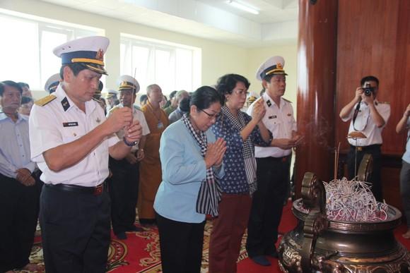Bàn giao Nhà CLB Thủy thủ Vùng 5 Hải quân do TPHCM xây tặng     ảnh 1