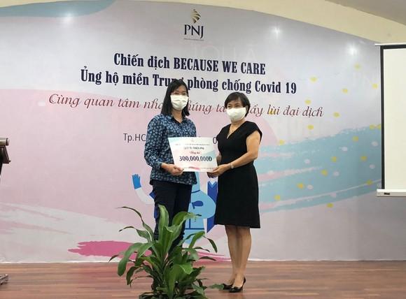 Hỗ trợ các lực lượng tuyến đầu phòng, chống dịch Covid-19 Đà Nẵng và Quảng Nam hơn 5 tỷ đồng      ảnh 1