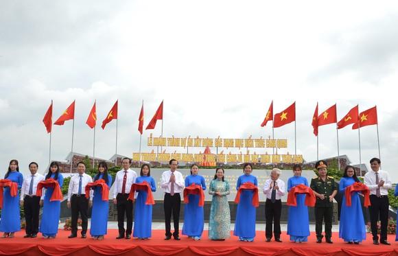 Khánh thành công trình cảnh quan khu truyền thống cách mạng cuộc Tổng tiến công và nổi dậy Xuân Mậu Thân 1968 ảnh 1