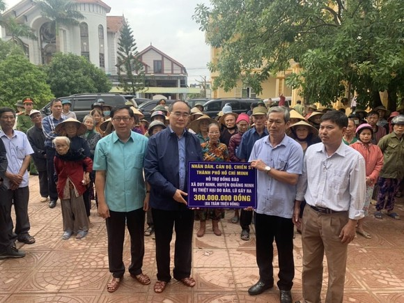 TPHCM hỗ trợ tỉnh Quảng Bình 3,3 tỷ đồng khắc phục thiệt hại bão lũ      ảnh 1