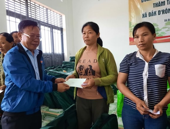 Hơn 1,2 tỷ đồng hỗ trợ đồng bào các dân tộc huyện Cư Jút, tỉnh Đắk Nông  ảnh 2