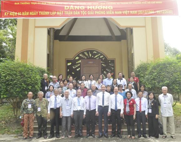 Dâng hương kỷ niệm 60 năm Ngày thành lập Mặt trận Dân tộc giải phóng miền Nam Việt Nam ảnh 4