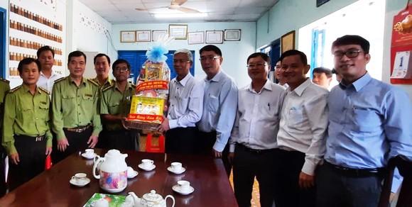 Đoàn lãnh đạo TPHCM thăm, chúc tết các đơn vị     ảnh 2