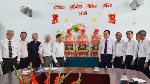 Đoàn lãnh đạo TPHCM thăm, chúc tết các cơ sở tôn giáo ảnh 1